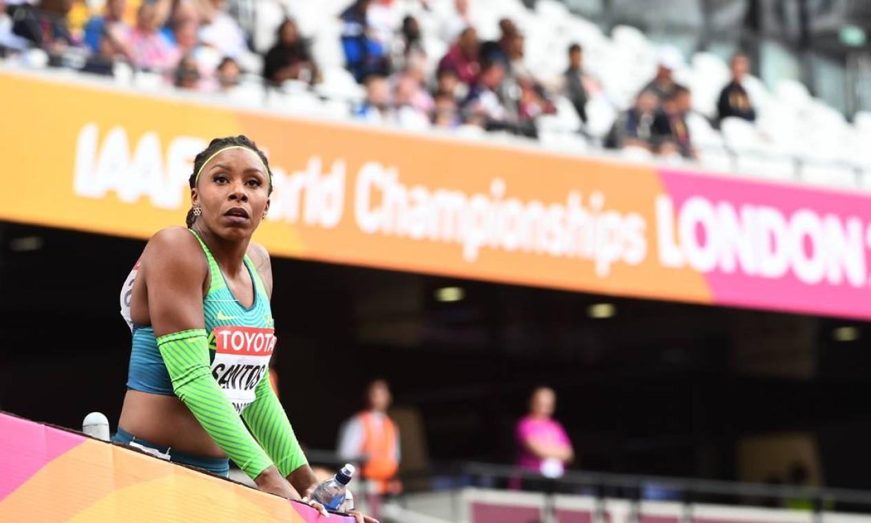 2ª - Rosângela Santos (atletismo), bronze em 2008 aos 17 anos, 8 meses e 2 dias. Foto: JEWEL SAMAD / AFP