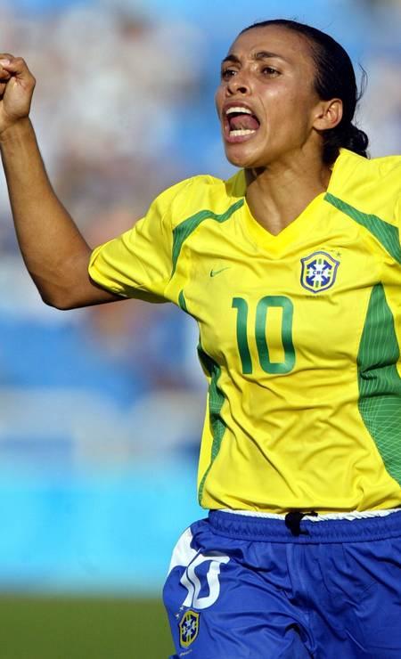 6º - Marta (fútbol), plata en 2004 a la edad de 18 años, 6 meses y 7 días.  Foto: Wonder Roberto / COB