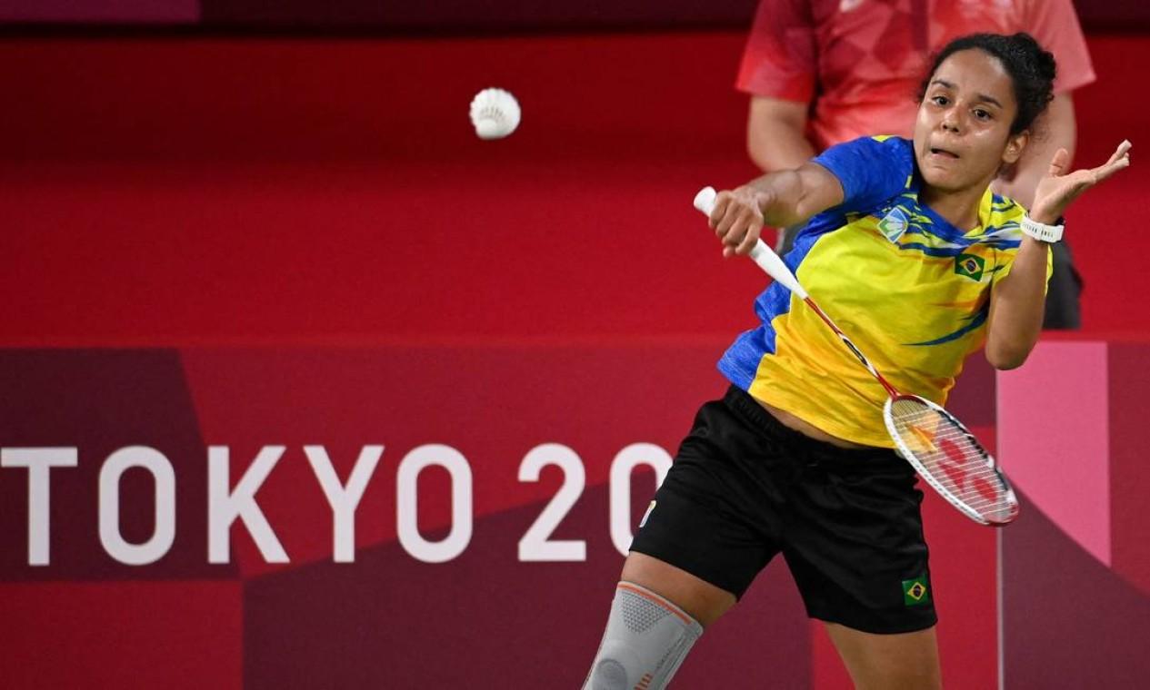 No badminton simples feminino, Fabiana Silva perdeu em sua estreia na fase de grupos. Ela foi derrotada nos dois sets pela ucraniana Maria Ulitina. Foto: ALEXANDER NEMENOV / AFP