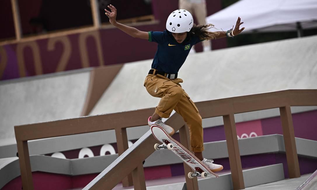 Rayssa Leal, a Fadinha, medalha de prata em Tóquio, já estrela campanha da Nike Foto: JEFF PACHOUD / AFP