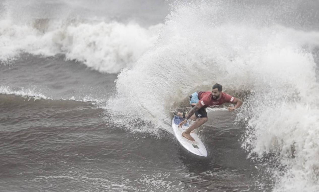 Italo Ferreira no dia decisivo do surfe nos Jogos Olímpicos de Tóquio Foto: Jonne Roriz/COB