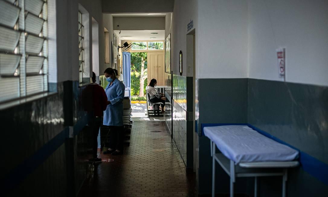 O Hospital Gustavo Monteiro Junior, em Conservatória, estava com oito pacientes com Covid-19 ou suspeita da doença internados e 45 leitos vagos Foto: Hermes de Paula / Agência O Globo