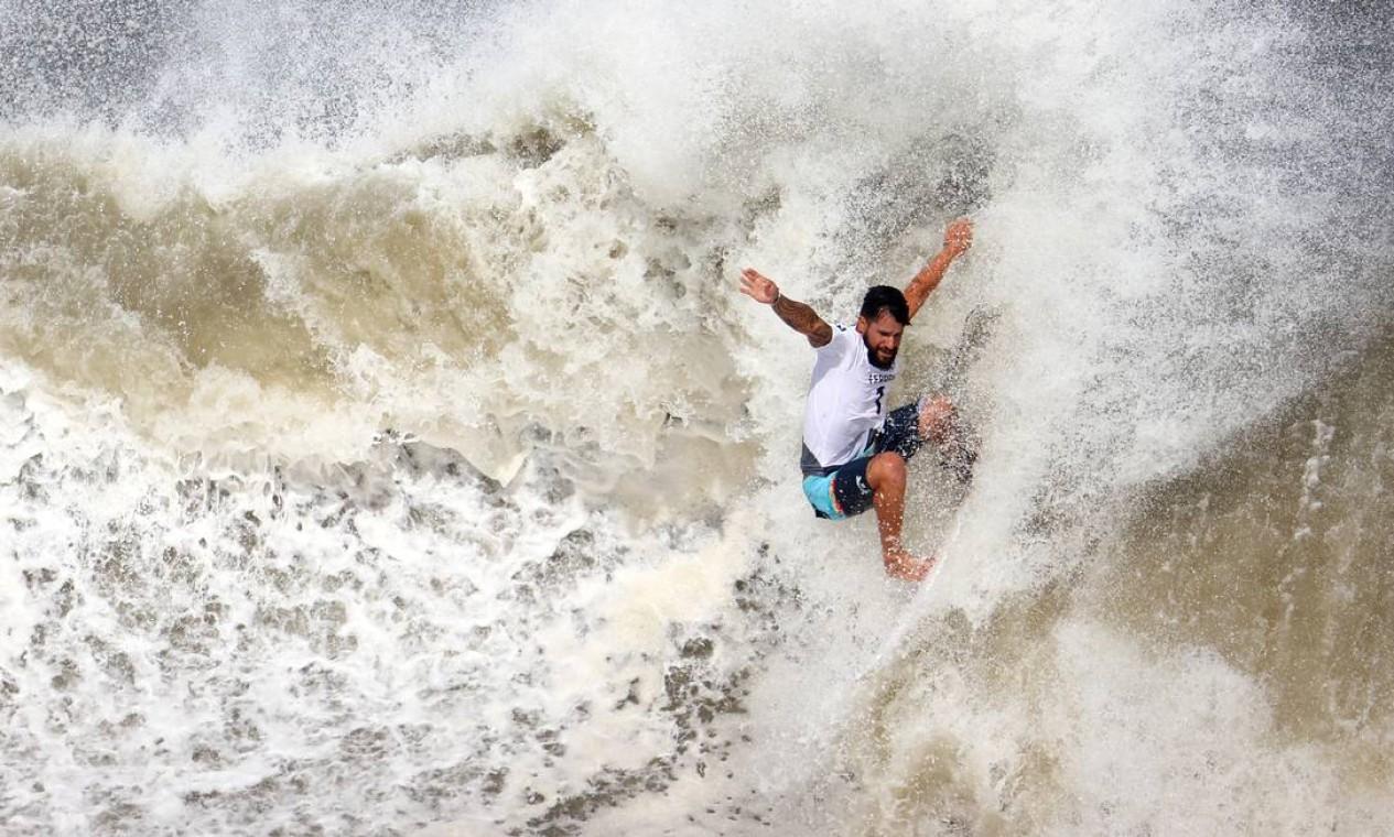 Italo Ferreira no dia decisivo do surfe nos Jogos Olímpicos de Tóquio Foto: LISI NIESNER / REUTERS