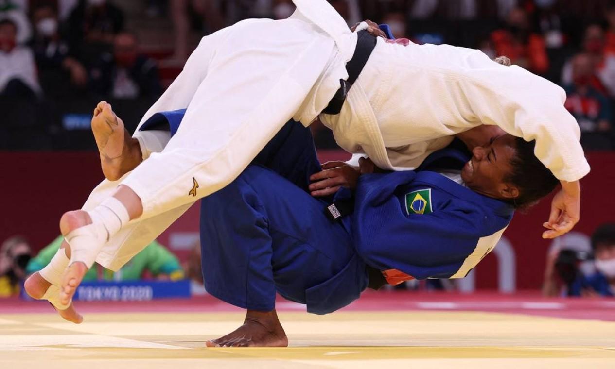 No judô, a brasileira Ketleyn Quadros foi derrotada pela veterana holandesa Juul Franssen na repescagem e perdeu a chance de disputar o bronze na categoria até 63kg Foto: JACK GUEZ / AFP