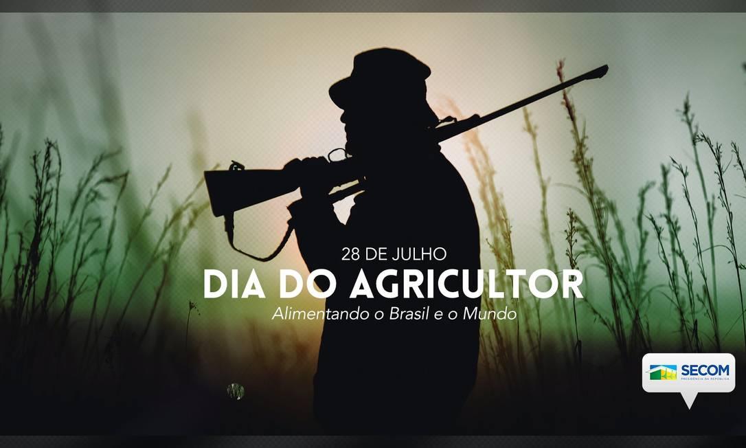 Publicação feita pela Secom em redes sociais mostra homem com rifle para homenagear o Dia do Agricultor Foto: Reprodução/Twitter