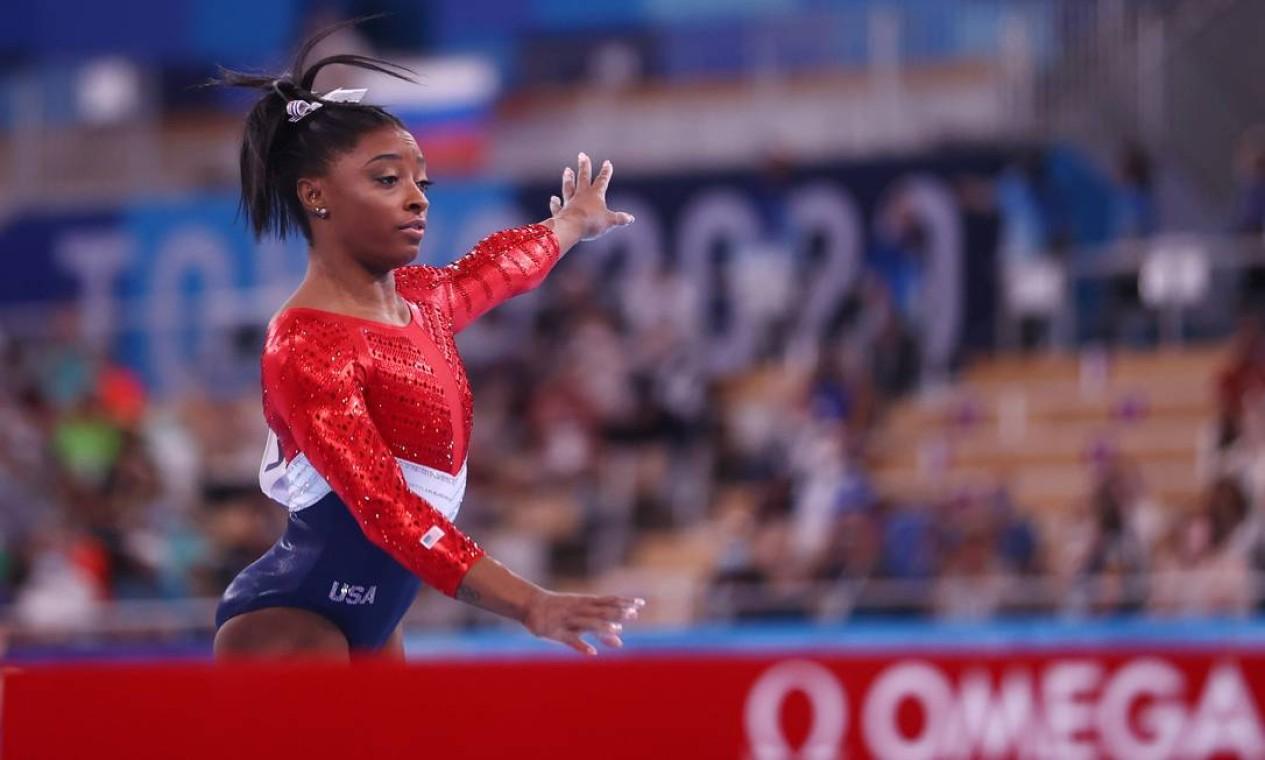 Simone Biles em ação nos Jogos Olímpicos de Tóquio Foto: LINDSEY WASSON / REUTERS