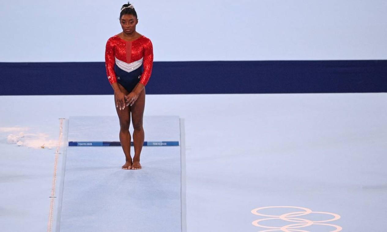Simone Biles em ação nos Jogos Olímpicos de Tóquio Foto: MARTIN BUREAU / AFP