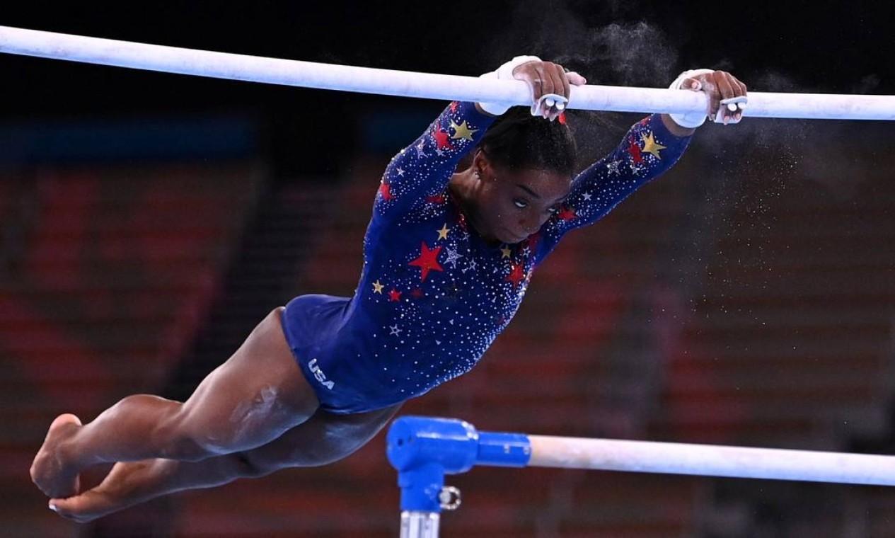 Simone Biles em ação nos Jogos Olímpicos de Tóquio Foto: DYLAN MARTINEZ / REUTERS