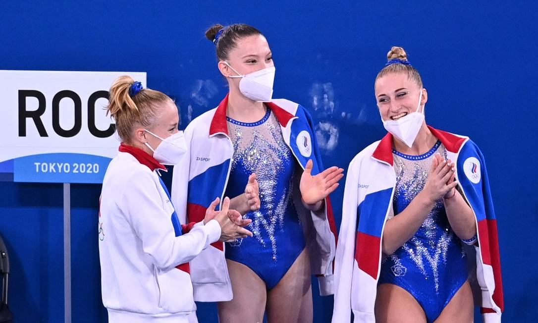 Sem bandeira, ginastas da Rússia competem sob a sigla ROC Foto: DYLAN MARTINEZ / REUTERS