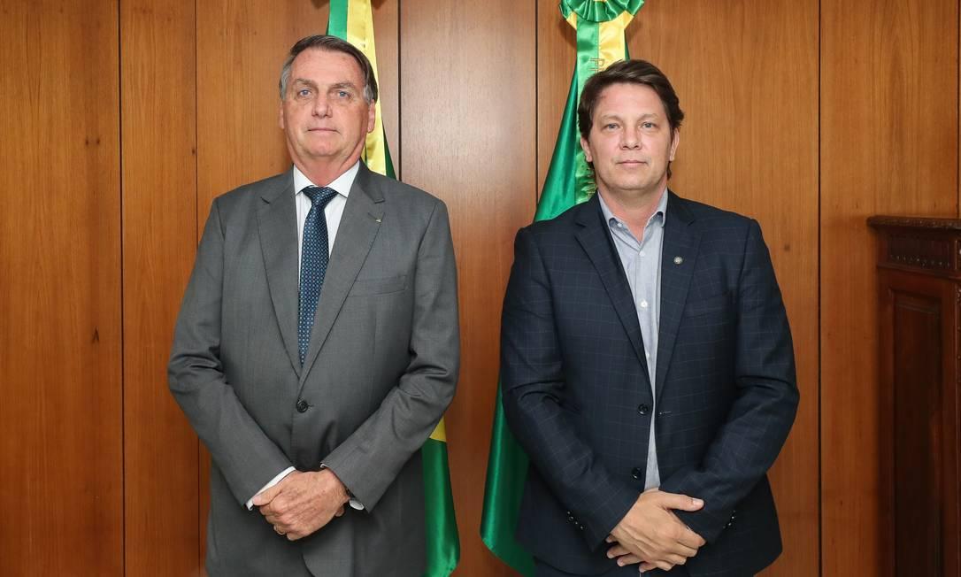 Jair Bolsonaro e Mario Frias no Palácio do Planalto, quando decreto com o novo texto do Pronac foi assinado Foto: Foto: Isac Nóbrega/PR