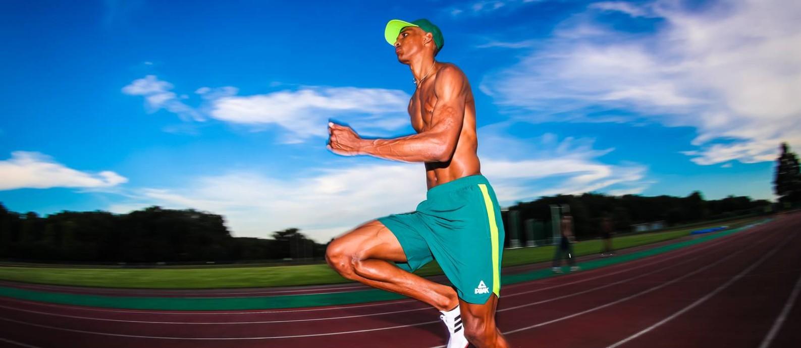 Alison dos Santos é esperança de medalha nos 400m com barreiras Foto: Wander Roberto/COB / Agência O Globo