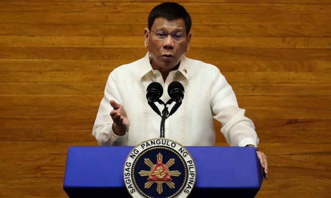 Presidente Rodrigo Duterte já havia feito ameaças, há um mês, de prisão para aqueles que não fossem vacinados Foto: LISA MARIE DAVID / AFP