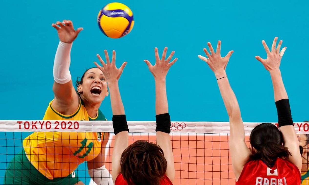 As brasileiras do vôlei de quadra bateram as japonesas por 3 sets a 0. Foto: VALENTYN OGIRENKO / REUTERS