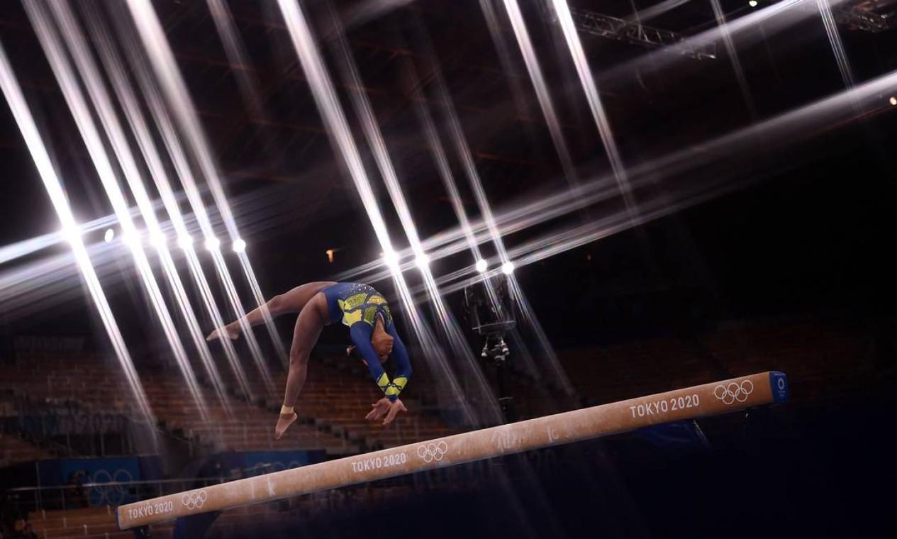 Brasileira se inspira em Daiane dos Santos e espera influenciar uma nova geração de atletas negras na ginástica Foto: LOIC VENANCE / AFP
