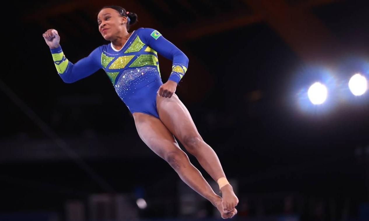 Ótimos desempenhos colocaram a brasileira na liderança após duas rotações de aparelhos e credenciam Rebeca a seguir na disputa por medalha Foto: LINDSEY WASSON / REUTERS