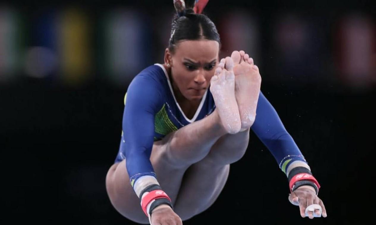 Rebeca Andrade nas barras assimétricas. Foto: COB