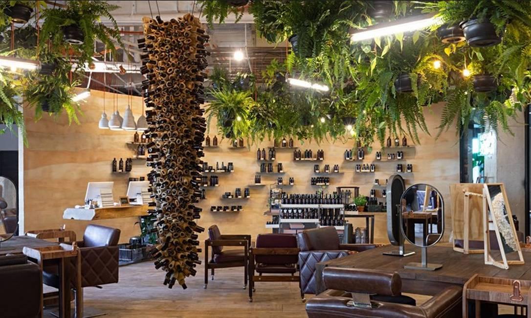 O salão de beleza Laces, inaugurado no último dia 23 no Rio Design Barra Foto: Divulgação/Rodrigo Azevedo