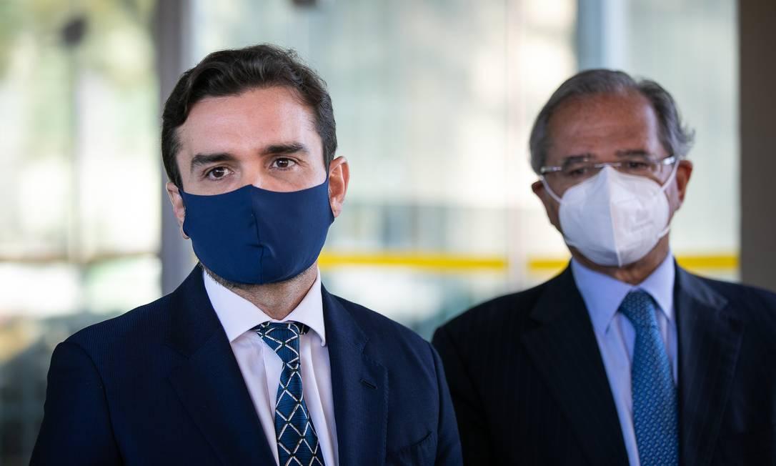 O relator da reforma tributária, deputado Celso Sabino (PSDB-PA), ao lado do ministro da Economia, Paulo Guedes Foto: Washington Costa / Ministério da Economia