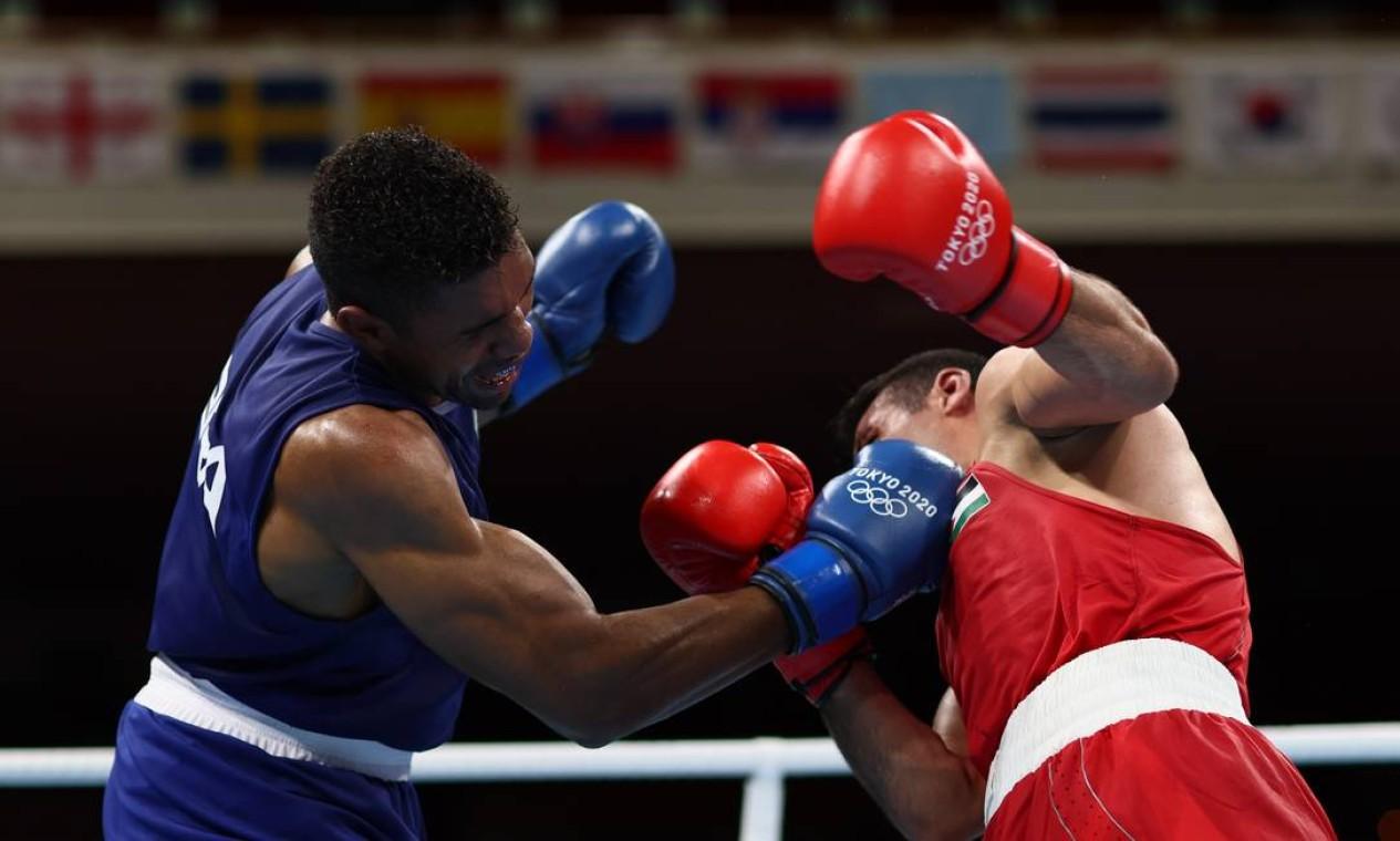 Abner Teixeira vence por 4 a 1 e avança à semifinal no boxe. O resultado já garante o bronze ao brasileiro Foto: BUDA MENDES / REUTERS