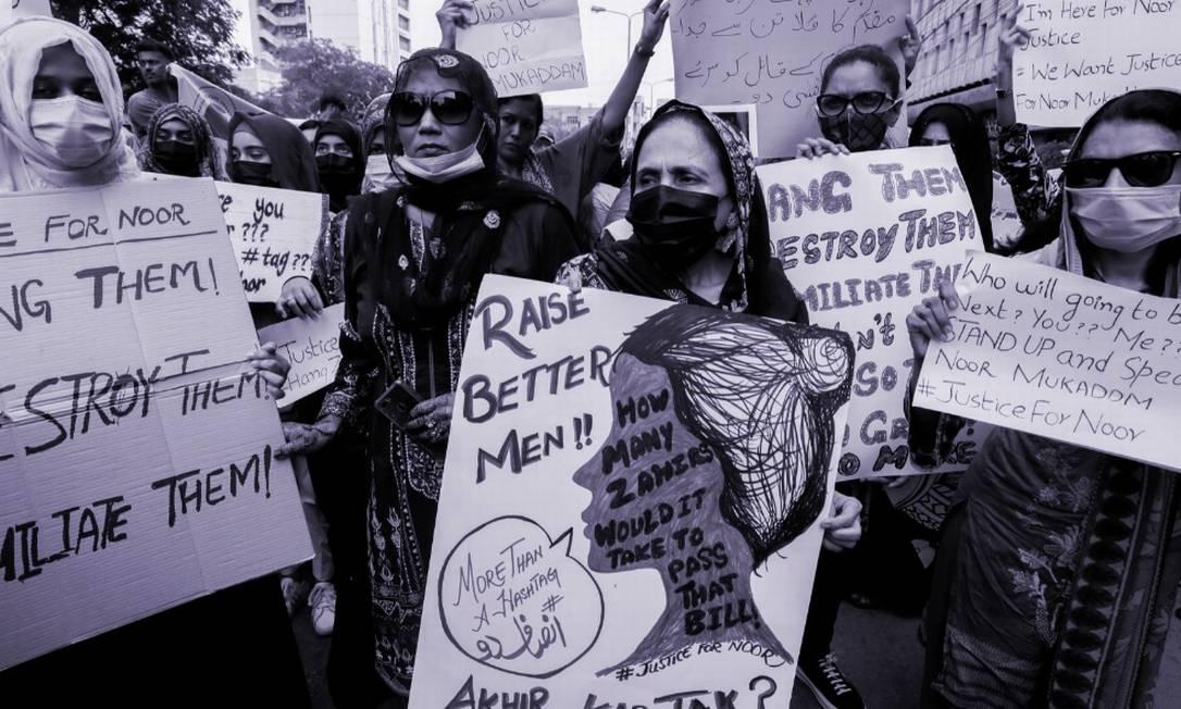 Mulheres paquistanesas saem às ruas para protestar pelo direito à vida e à segurança Foto: Akhtar Soomro / Reuters