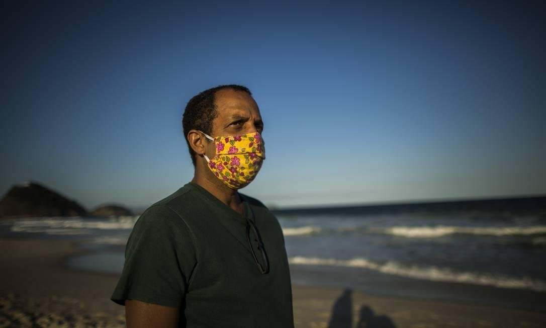 Márcio Antônio do Nascimento Silva, que perdeu o filho Hugo, de 25 anos, vítima de COVID-19, venceu o Faz Diferença 2020 na categoria Rio Foto: Guito Moreto / Agência O Globo