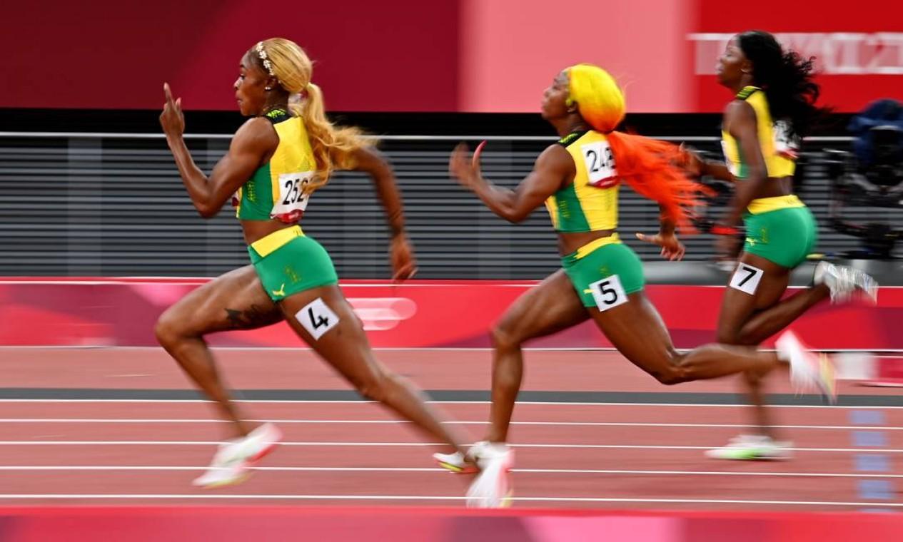 Jamaicanas conquistam ouro, prata e bronze em Tóquio nos 100 metros rasos Foto: Dylan Martinez / Reuters