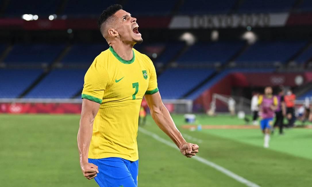 Paulinho, da seleção brasileira de futebol Foto: DANIEL LEAL-OLIVAS / AFP