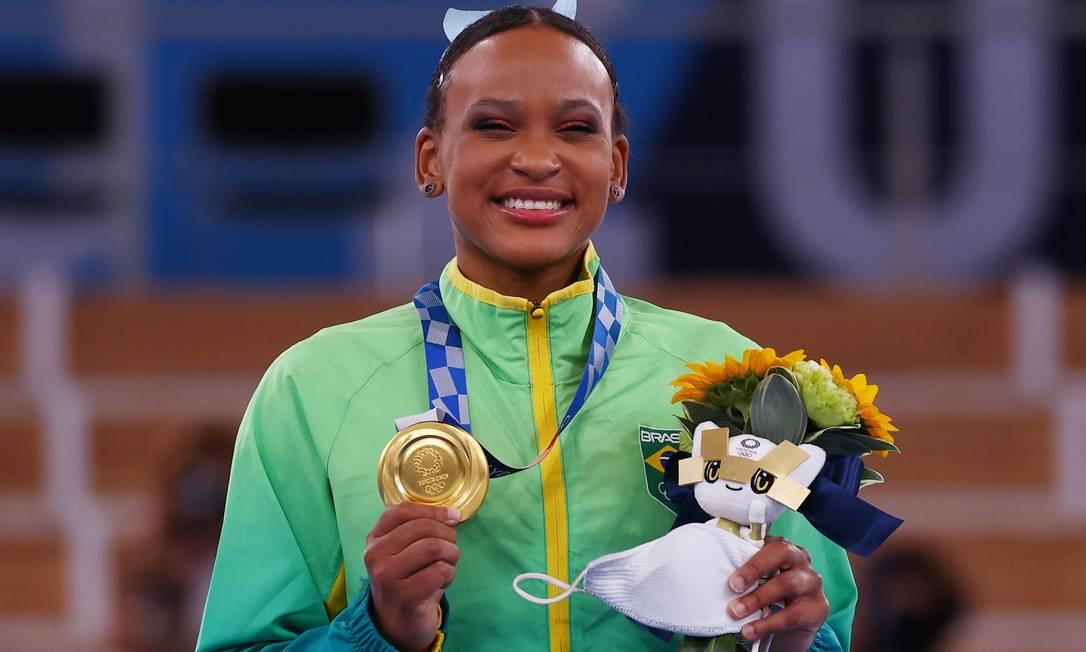Rebca Andrade conquista uma medalha de ouro no salto da ginástica Foto: MIKE BLAKE / REUTERS