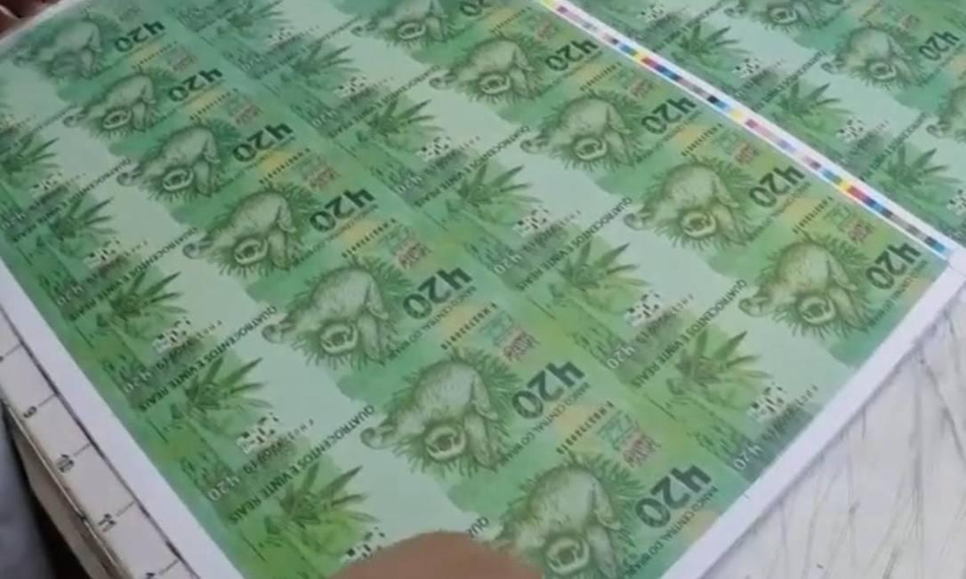 Cédulas criadas por grife paulista no valor de R$ 420 Foto: Reprodução