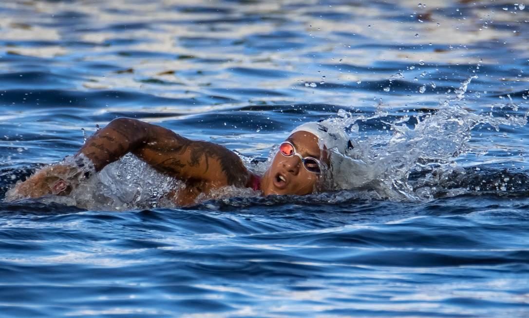 Ana Marcela Cunha conquista medalha de ouro na maratona aquática da Olimpíada de Tóquio