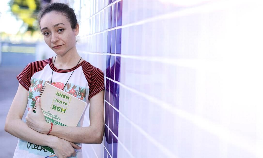 Vanessa Alves, de 25 anos, perdeu o Enem no ano passado e agora não tem mais direito à gratuidade Foto: Jarbas Oliveira / Agência O Globo