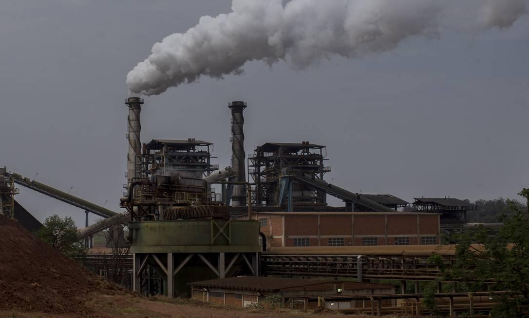 Usina da Raízen no interior de São Paulo: empresa produz açúcar, álcool e energia Foto: Edilson Dantas / Agência O Globo/16-10-2020