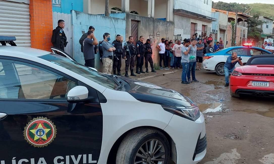 Polícia está no local do crime Foto: R Lagos Notícias