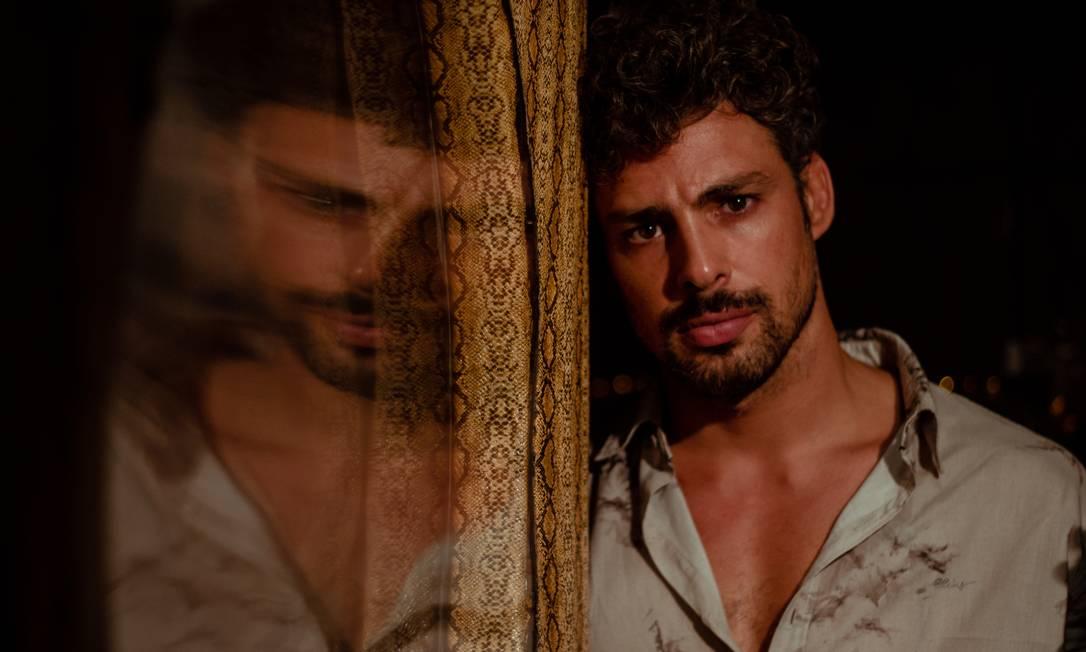 O ator Cauã Reymond no filme 'Piedade', de Cláudio Assis Foto: Flora Negri / Divulgação