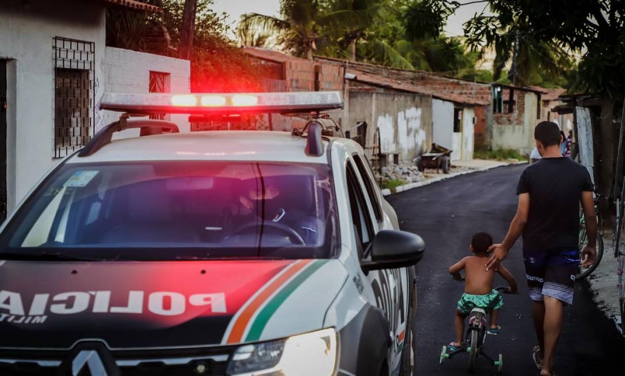 Nem as crianças escapam da rotina violenta da região Foto: Mateus Dantas