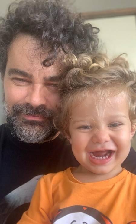 Carmo Dalla Vecchia e Pedro: bebê nasceu no mesmo dia do aniversário do pai Foto: arquivo pessoal
