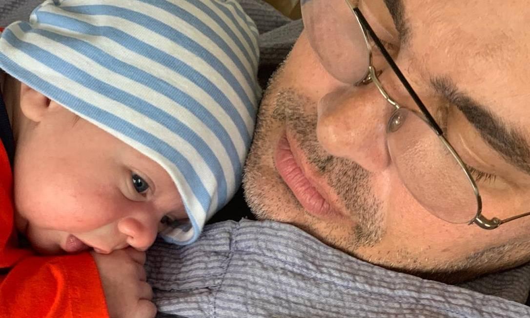 Carmo Dalla Vecchia com Pedro, recém-nascido Foto: Arquivo pessoal