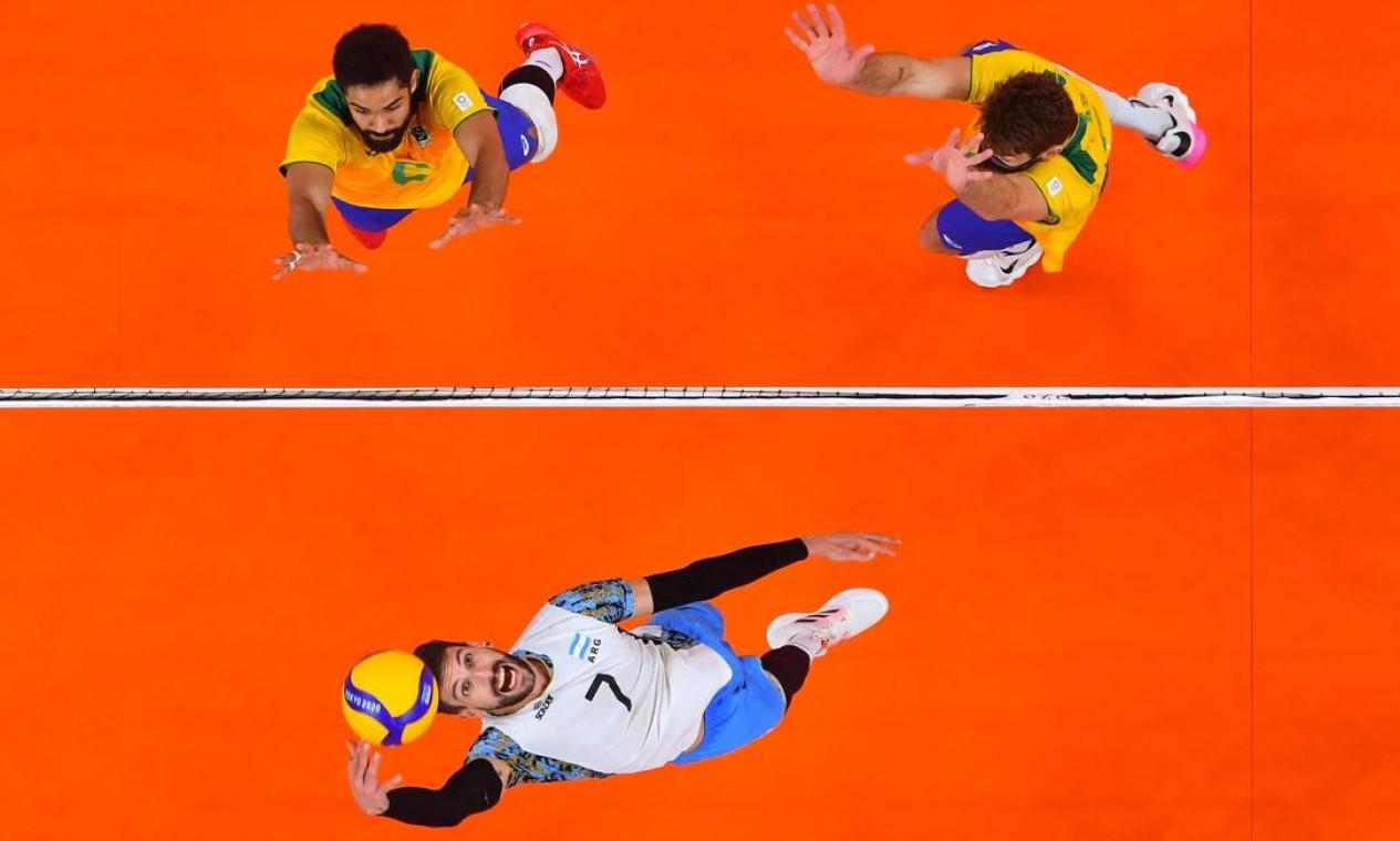 Na segunda disputa de terceiro lugar da história das Olimpíadas entre Brasil e Argentina, os hermanos venceram novamente, conquistando o bronze em Tóquio Foto: ANTONIN THUILLIER / AFP