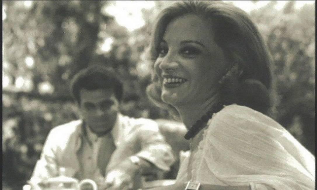 Casados há mais de 50 anos, Tarcísio e Glória se conheceram nos bastidores da peça 'As feiticeiras de Salém', nos anos 60 Foto: Divulgação
