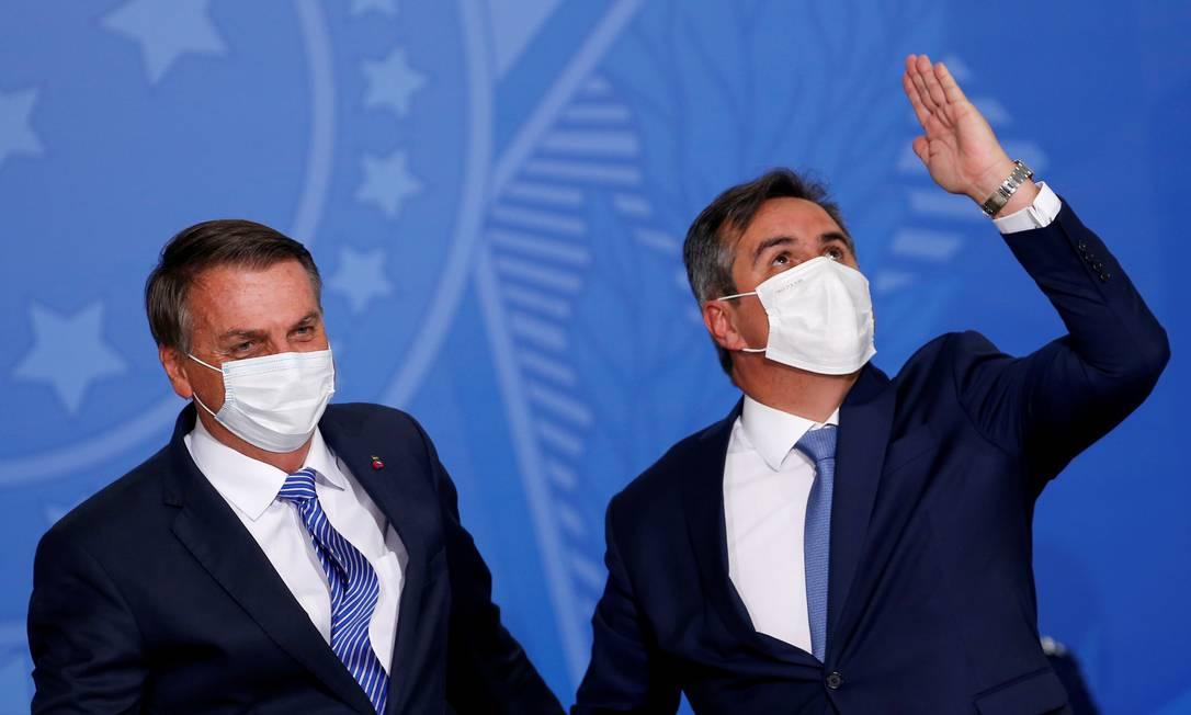 Bolsonaro e Ciro Nogueira durante posse do novo ministro da Casa Civil Foto: Adriano Machado / Reuters