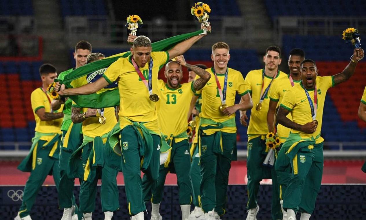 Bicampeões olímpicos. A seleção masculina de futebol venceu por 2 a 1 a Espanha e conquistou mais um ouro consecutivo Foto: ANNE-CHRISTINE POUJOULAT / AFP