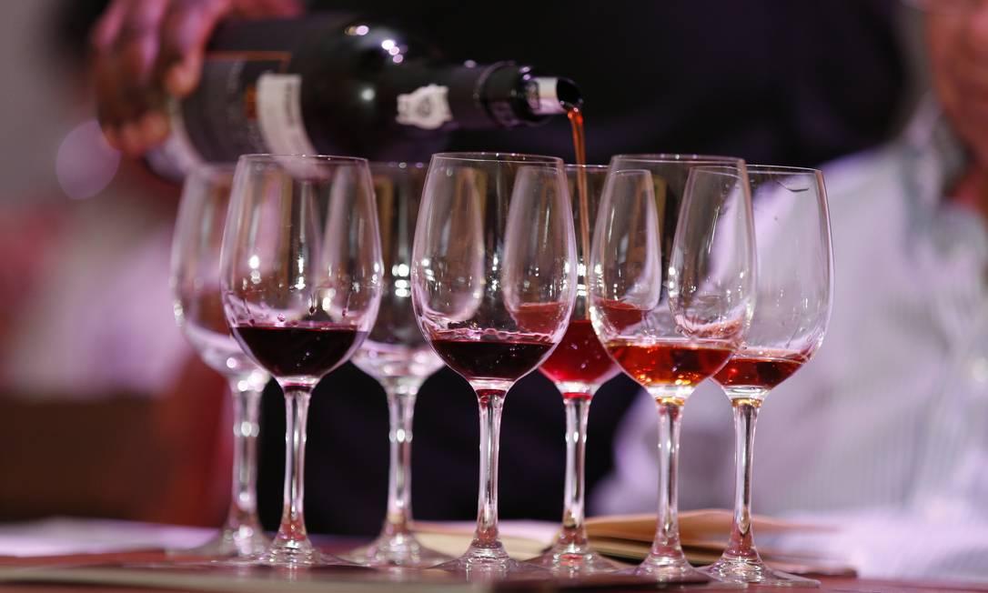 Além dos benefícios para o coração, o vinho tinto tem impactos para a prevenção de uma série de doenças Foto: Marcelo de Jesus / Agência O GLOBO