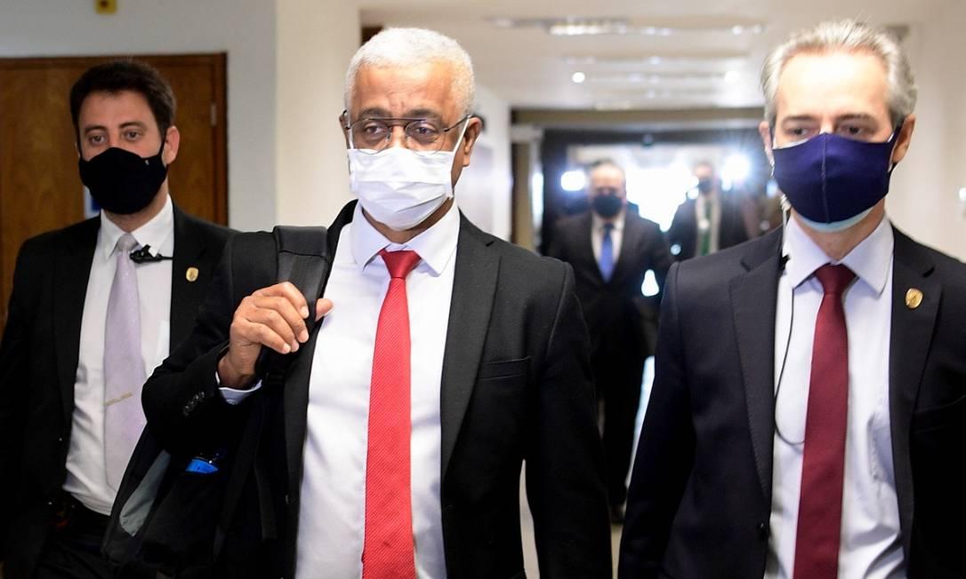 Jailton Batista, diretor-executivo da empresa farmacêutica Vitamedic, depõe à CPI da Covid Foto: Pedro França/Agência Senado