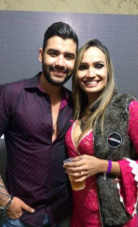Laís Crisóstomo posa ao lado do cantor sertanejo Gusttavo Lima, em 2015 Foto: Reprodução
