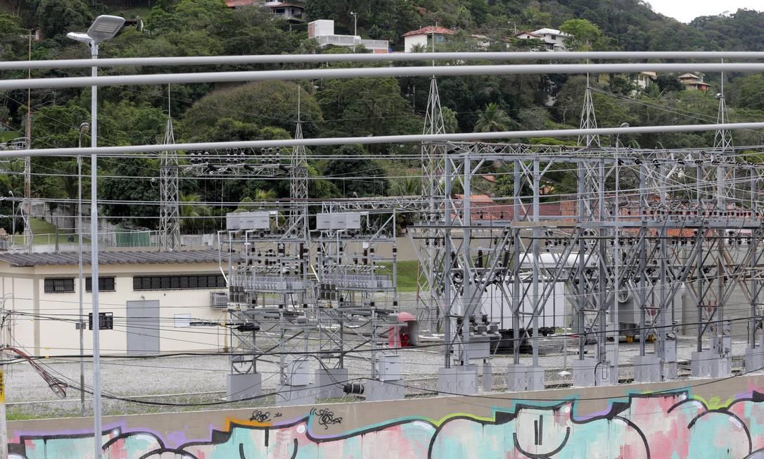 Subestação elétrica no bairro Santo Antônio, na Região Oceânica: Enel fica entre as quatro piores companhias pelo sexto ano seguido Foto: Márcio Alves / Agência O Globo