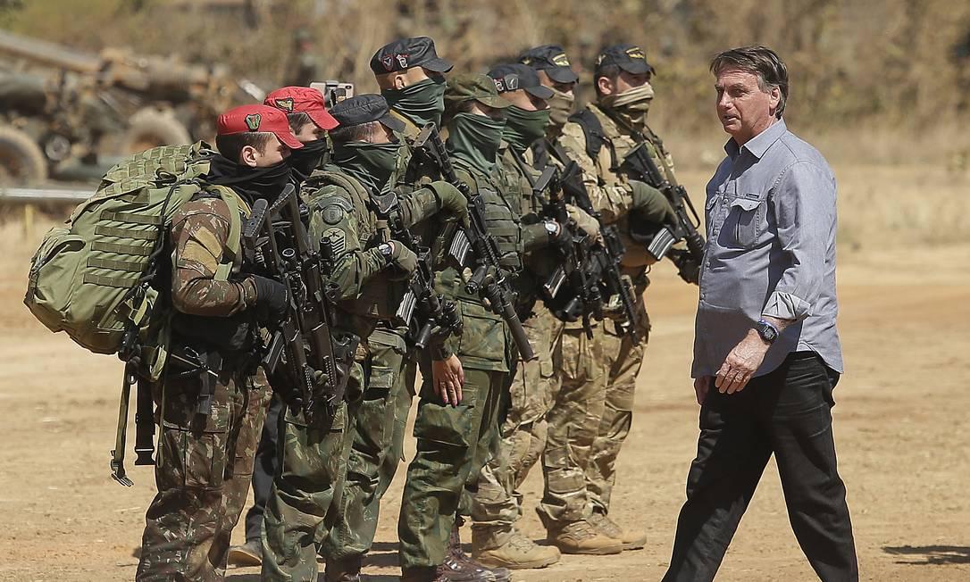 O presidente Jair Bolsonaro acompanha a Operação Formosa, exercício militar das Forças Armadas Foto: Cristiano Mariz/Agência O Globo