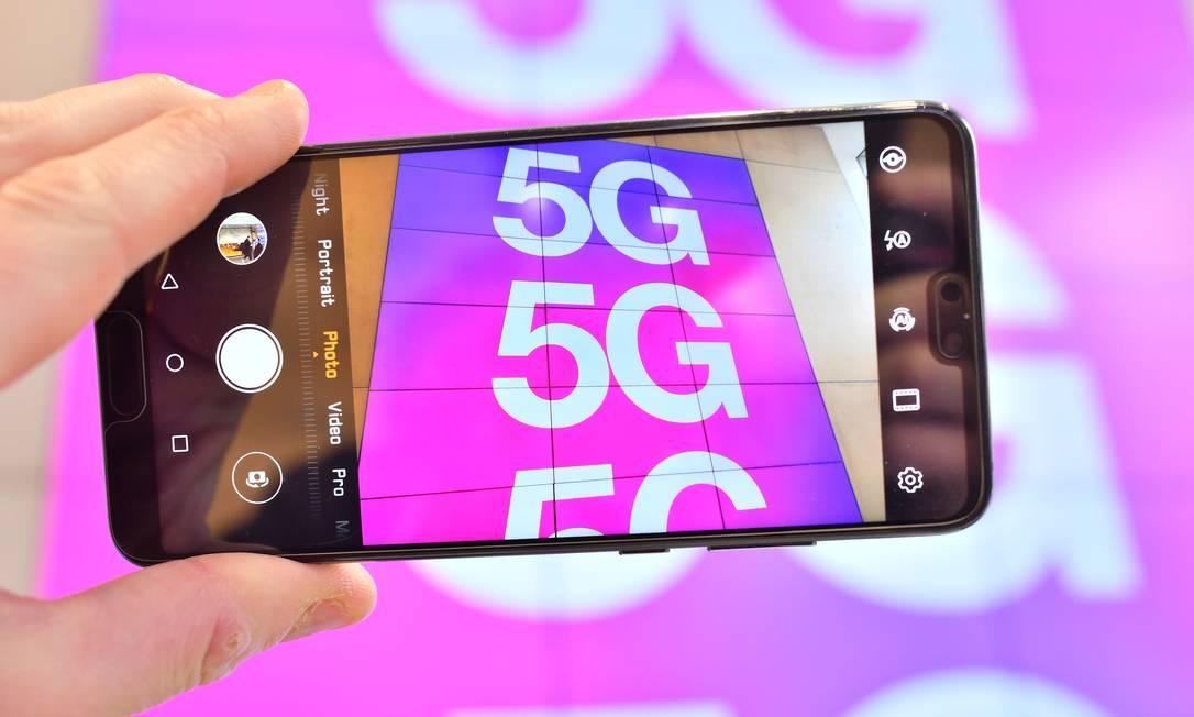 Tecnologia 5G deve começar a ser operadora no Brasil em 2022 Foto: Justin Tallis / AFP