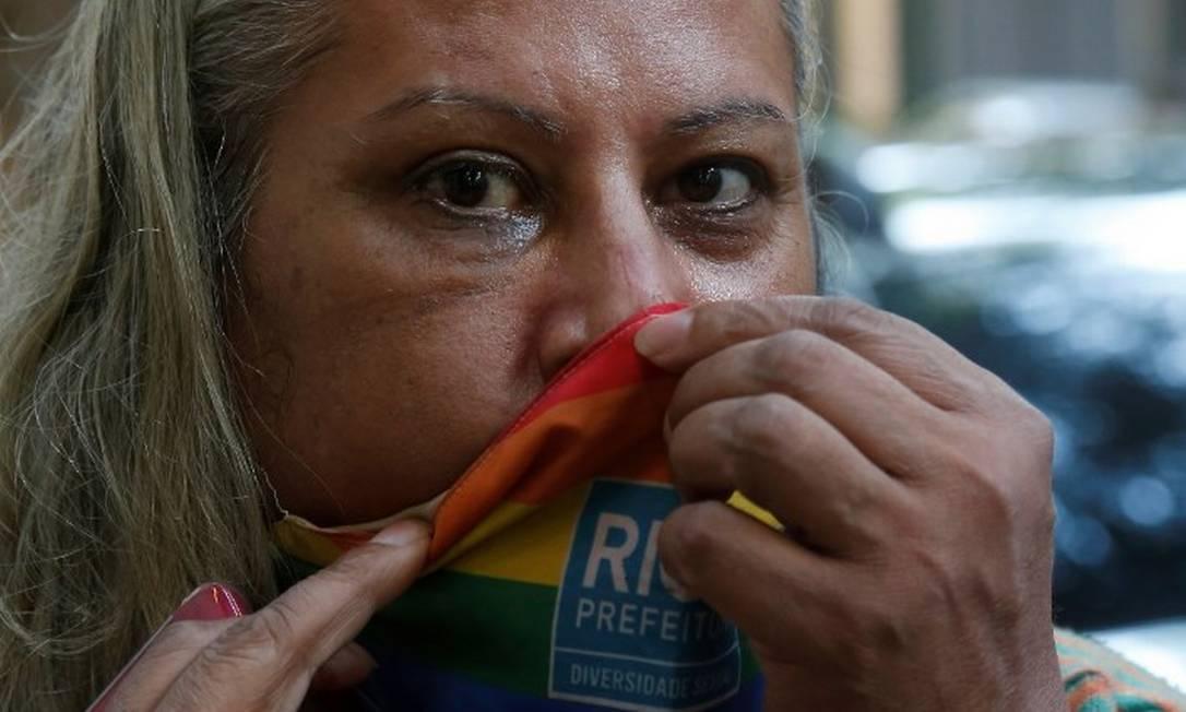 Indianara Siqueira em delegacia no Rio após ser agredida Foto: Fabiano Rocha / Agência O Globo