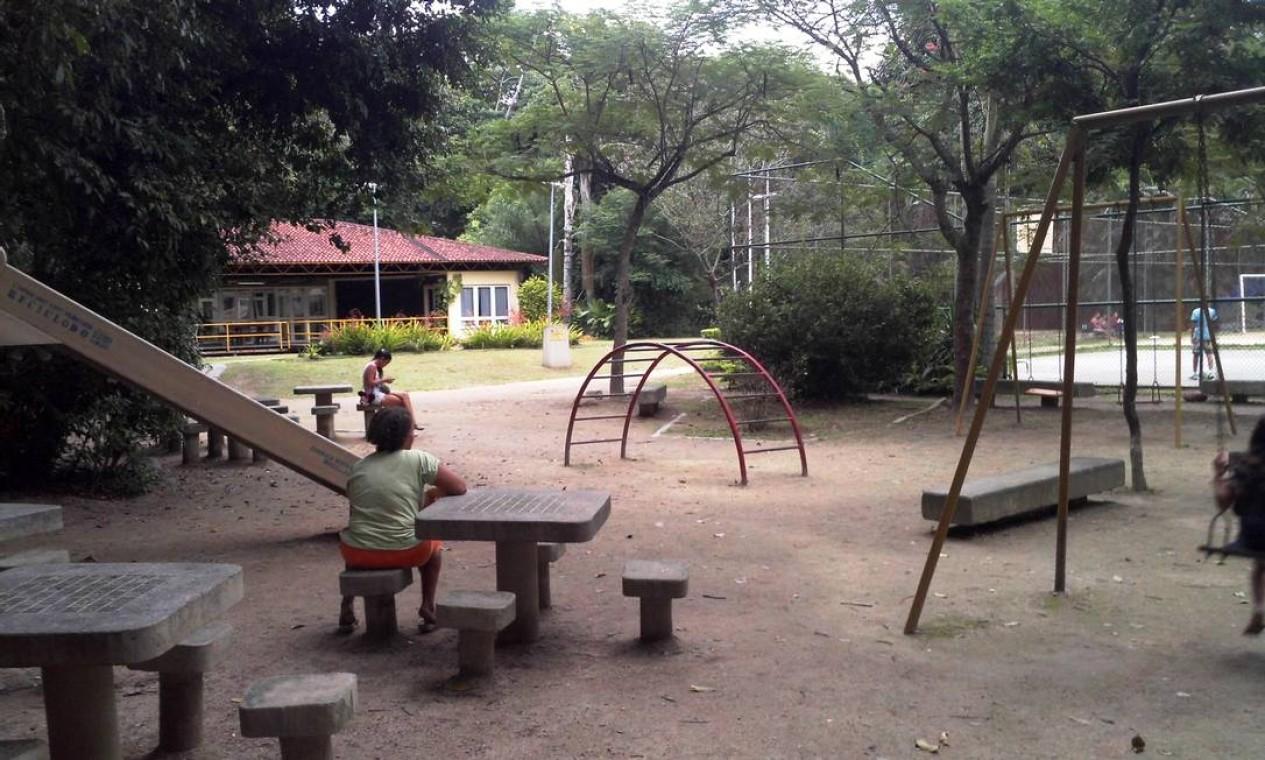 Bosque da Freguesia: a área de 310 mil metros quadrado tem 3km de alamedas e trilhas para corridas e caminhadas, uma quadra poliesportiva e uma de futebol, dois parques infantis e áreas de descanso e contemplação Foto: Divulgação