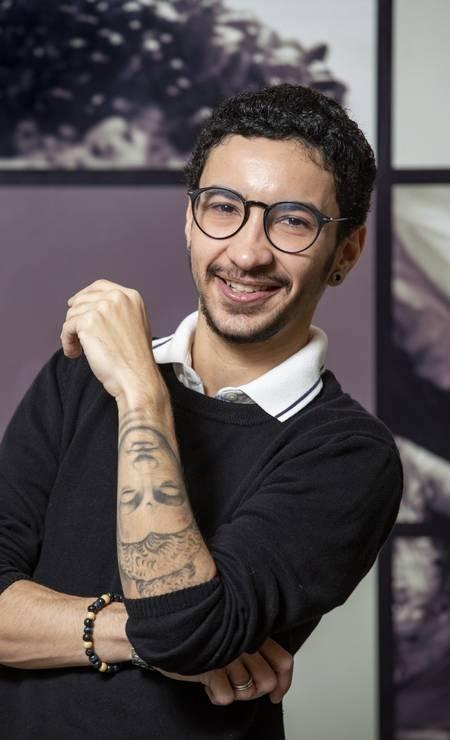 Julian se prepara para assumir o posto de gerente no Orii Sushi Foto: Ana Branco / Agência O Globo